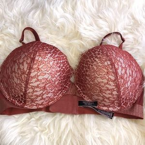 Victoria's Secret push up underwire bra NWOT